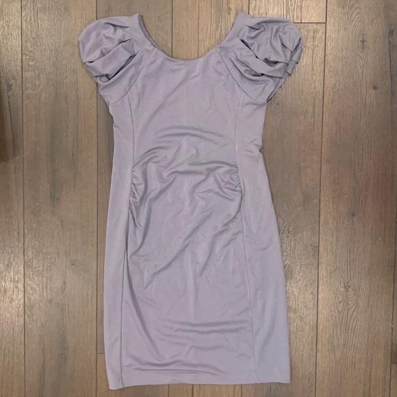GAP Dresses & Skirts - GAP Maternity Gray puff sleeved dress in NWT